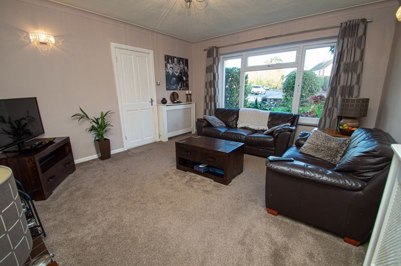 3 bed house for sale in Beverley Close 2