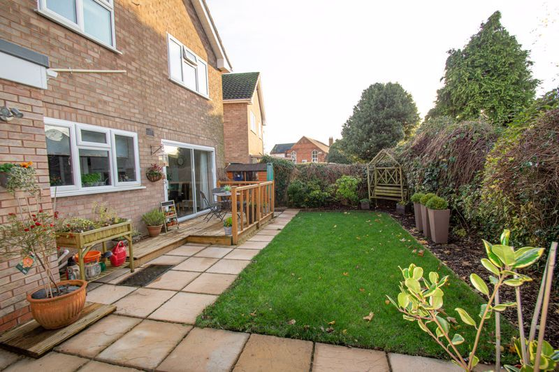 3 bed house for sale in Beverley Close 15