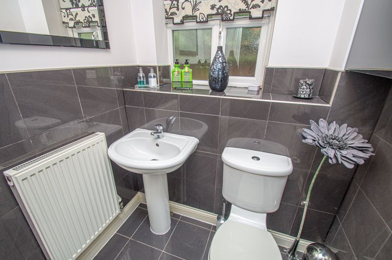 4 bed house for sale in Fleetwood Close 13