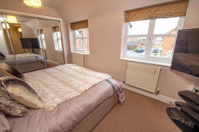 4 bed house for sale in Fleetwood Close 15