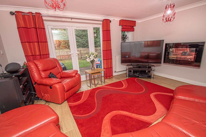 4 bed house for sale in Fleetwood Close 8