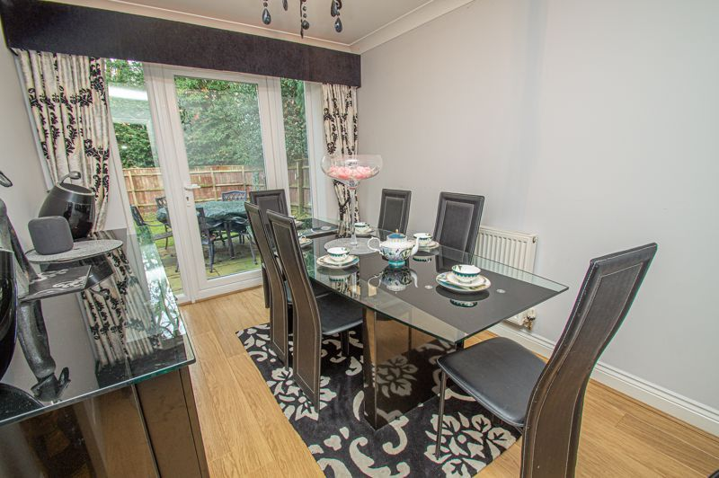 4 bed house for sale in Fleetwood Close 9