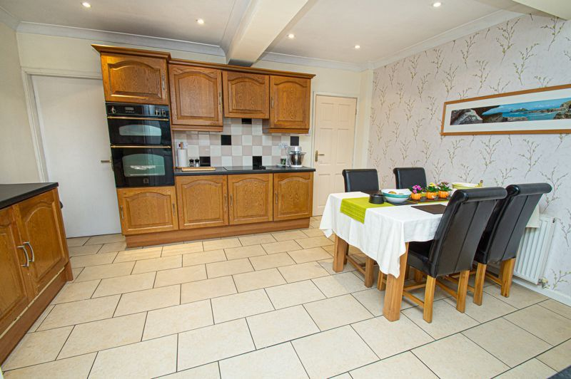 3 bed house for sale in Lansdowne Road 3