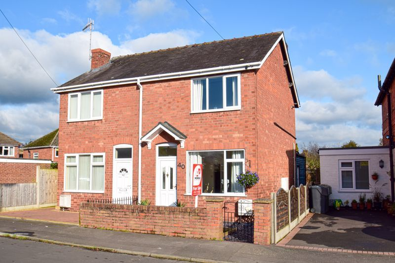 3 bed house for sale in New Road 1