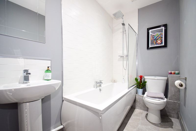 3 bed house for sale in New Road  - Property Image 11
