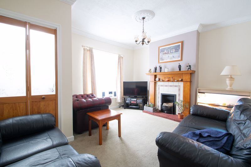 2 bed house for sale in Laurel Lane  - Property Image 2