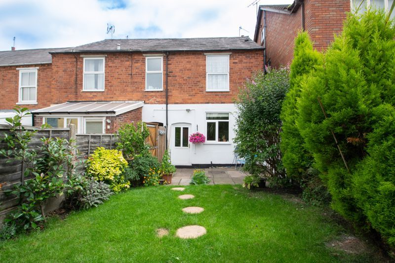 2 bed house for sale in Laurel Lane 13