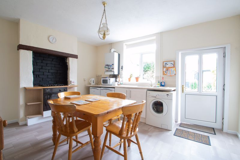 2 bed house for sale in Laurel Lane  - Property Image 4