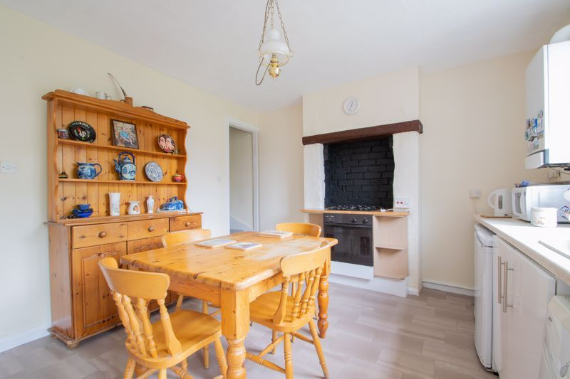 2 bed house for sale in Laurel Lane  - Property Image 5