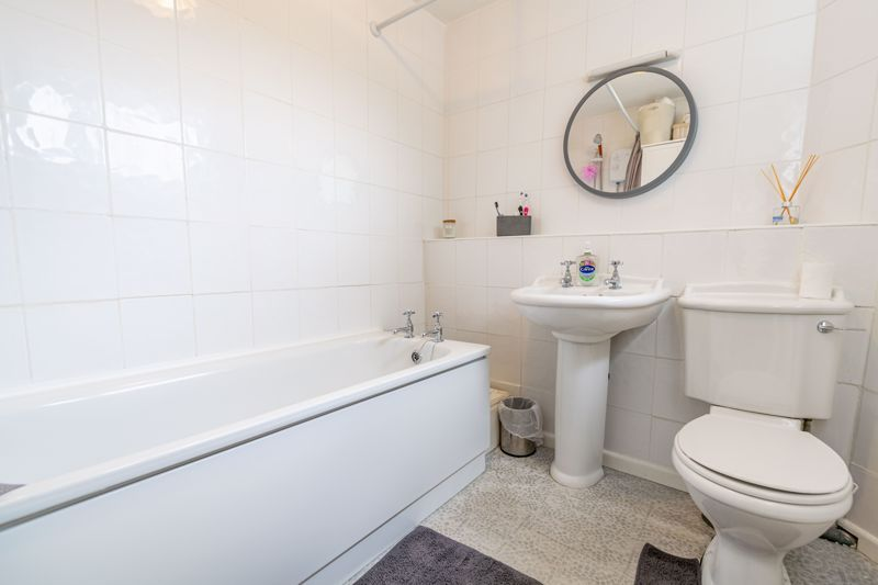 3 bed house for sale in Sutton Close 14