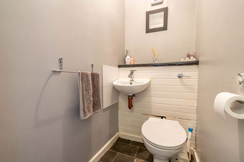 3 bed house for sale in Sutton Close 6