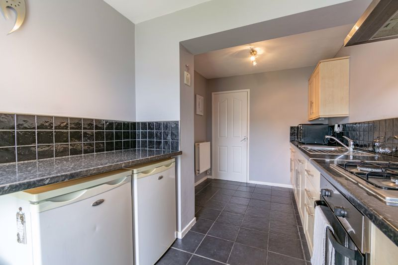 3 bed house for sale in Sutton Close 8
