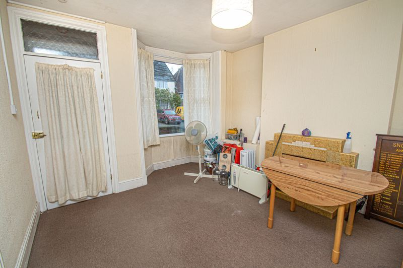 3 bed house for sale in Easemore Road 2