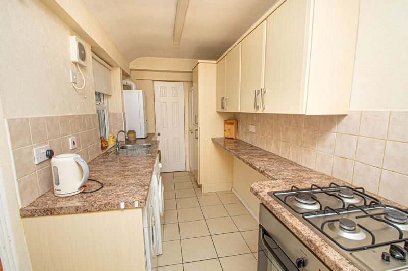 3 bed house for sale in Easemore Road  - Property Image 3