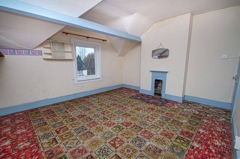 3 bed house for sale in Easemore Road 7