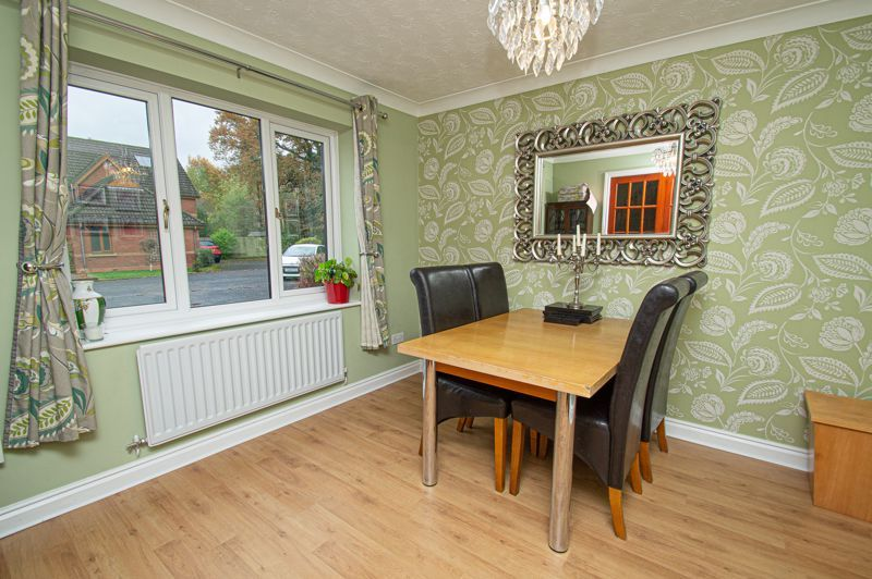 4 bed house for sale in Harlech Close 4