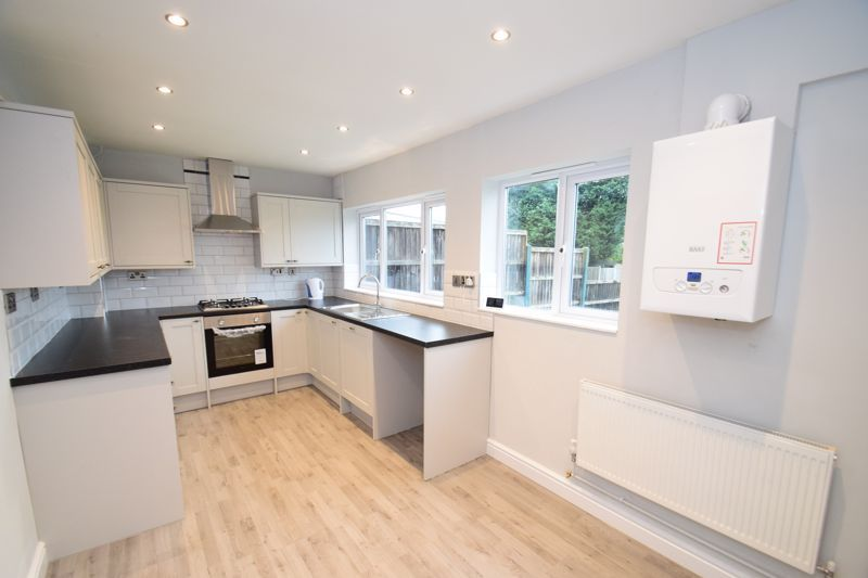 3 bed house for sale in King George Close 2
