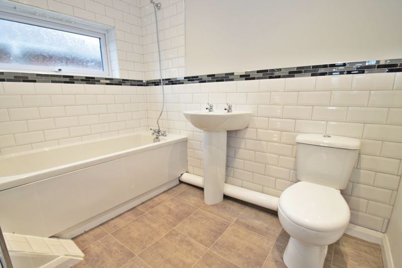 3 bed house for sale in King George Close 11