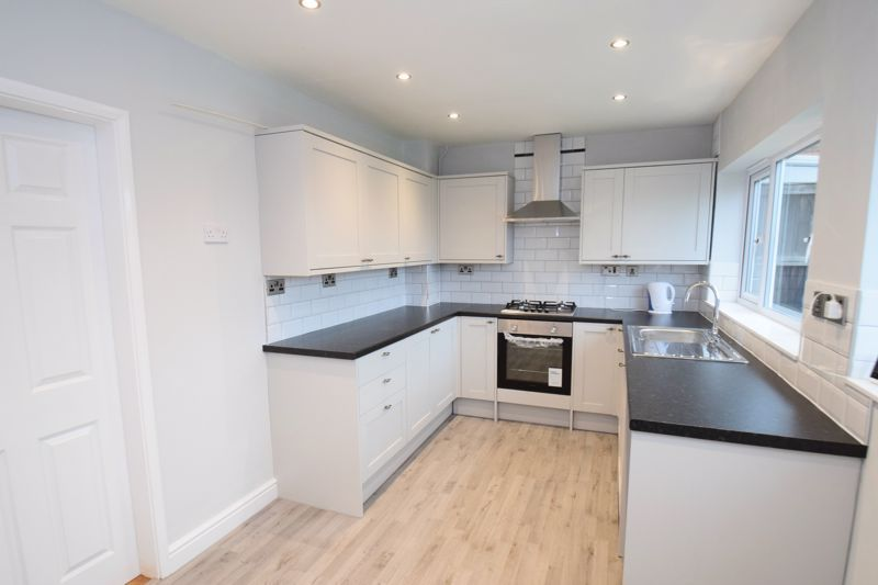 3 bed house for sale in King George Close 3