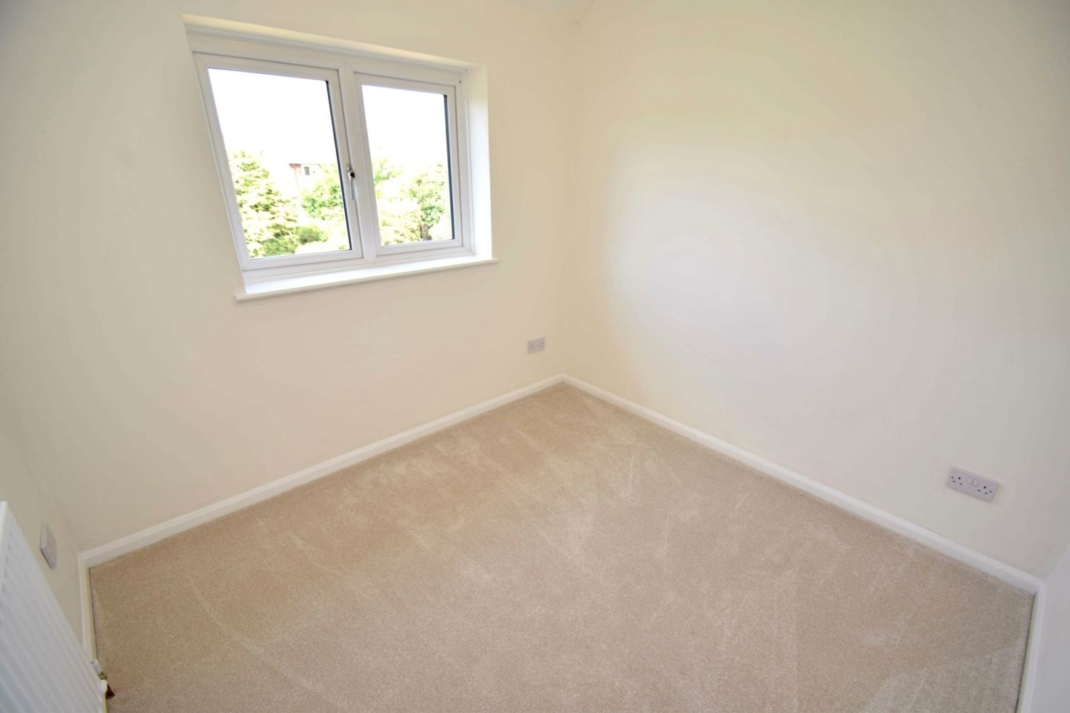 3 bed semi-detached for sale in Beachcroft Road, Wall Heath  - Property Image 10