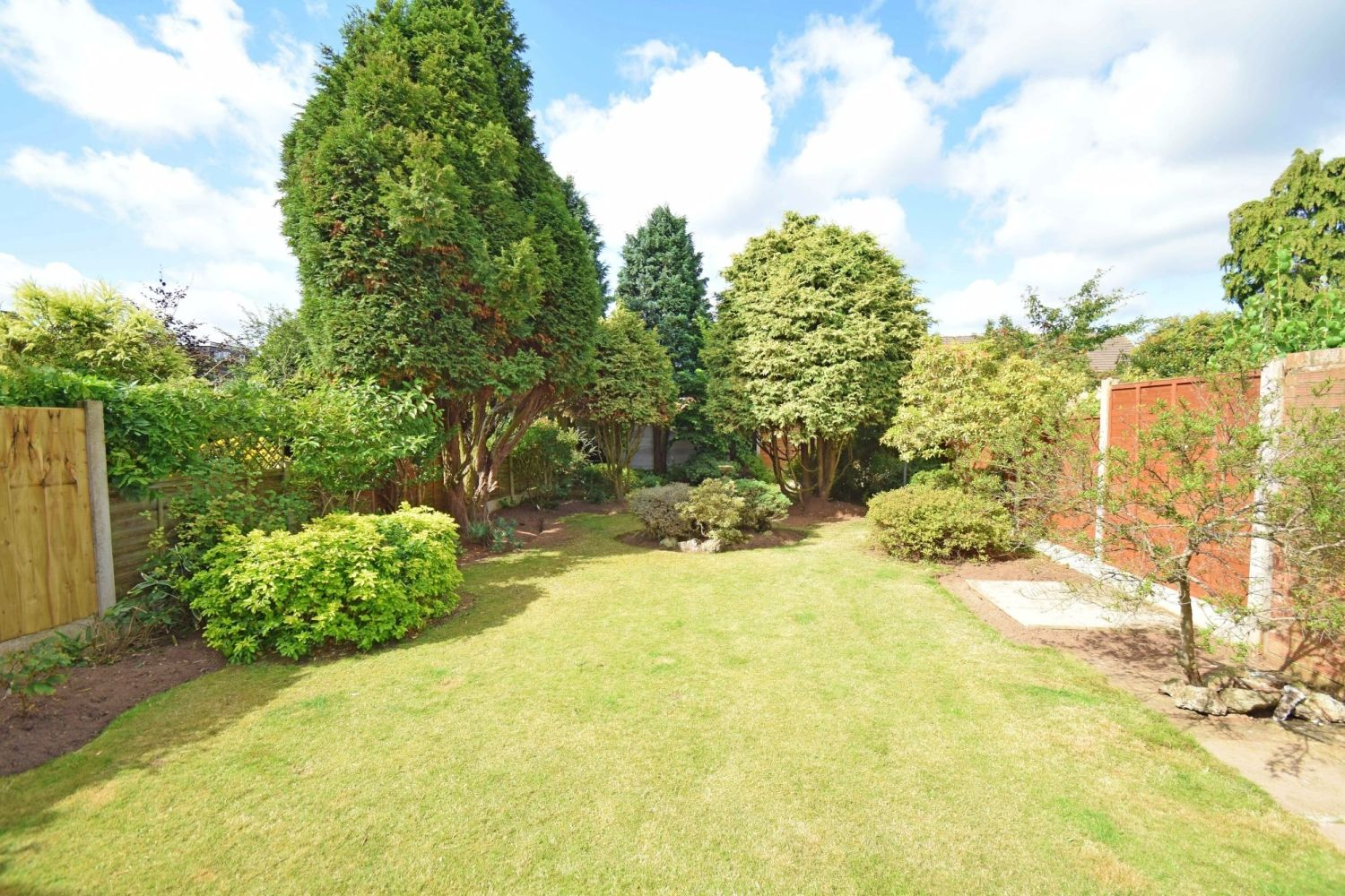 3 bed semi-detached for sale in Beachcroft Road, Wall Heath  - Property Image 14