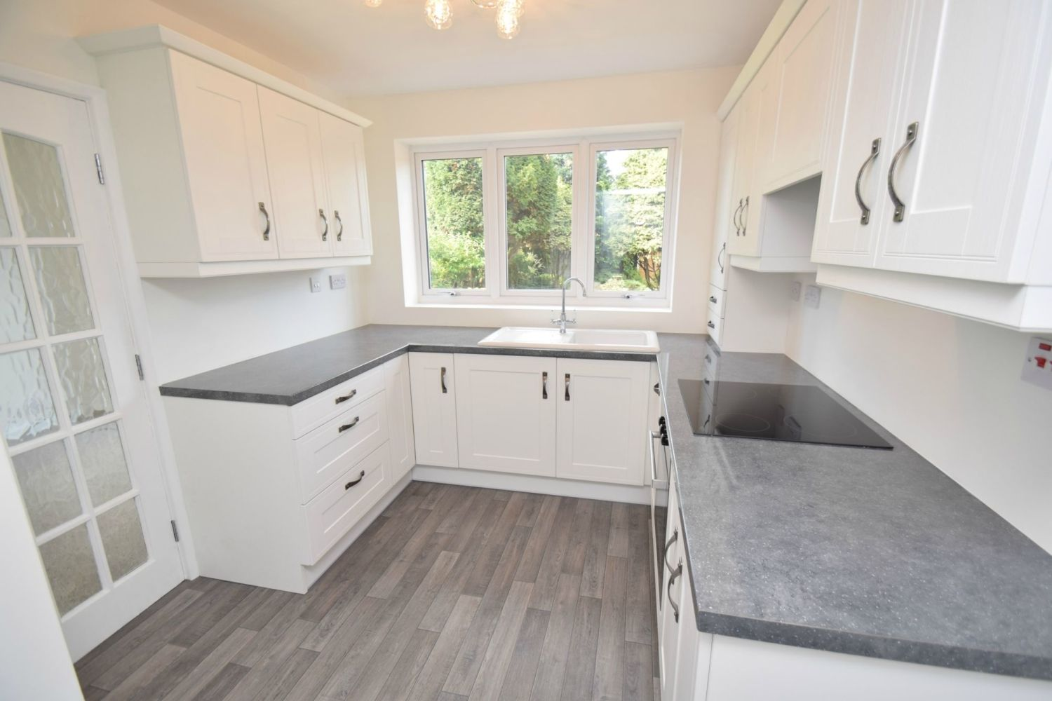 3 bed semi-detached for sale in Beachcroft Road, Wall Heath  - Property Image 5