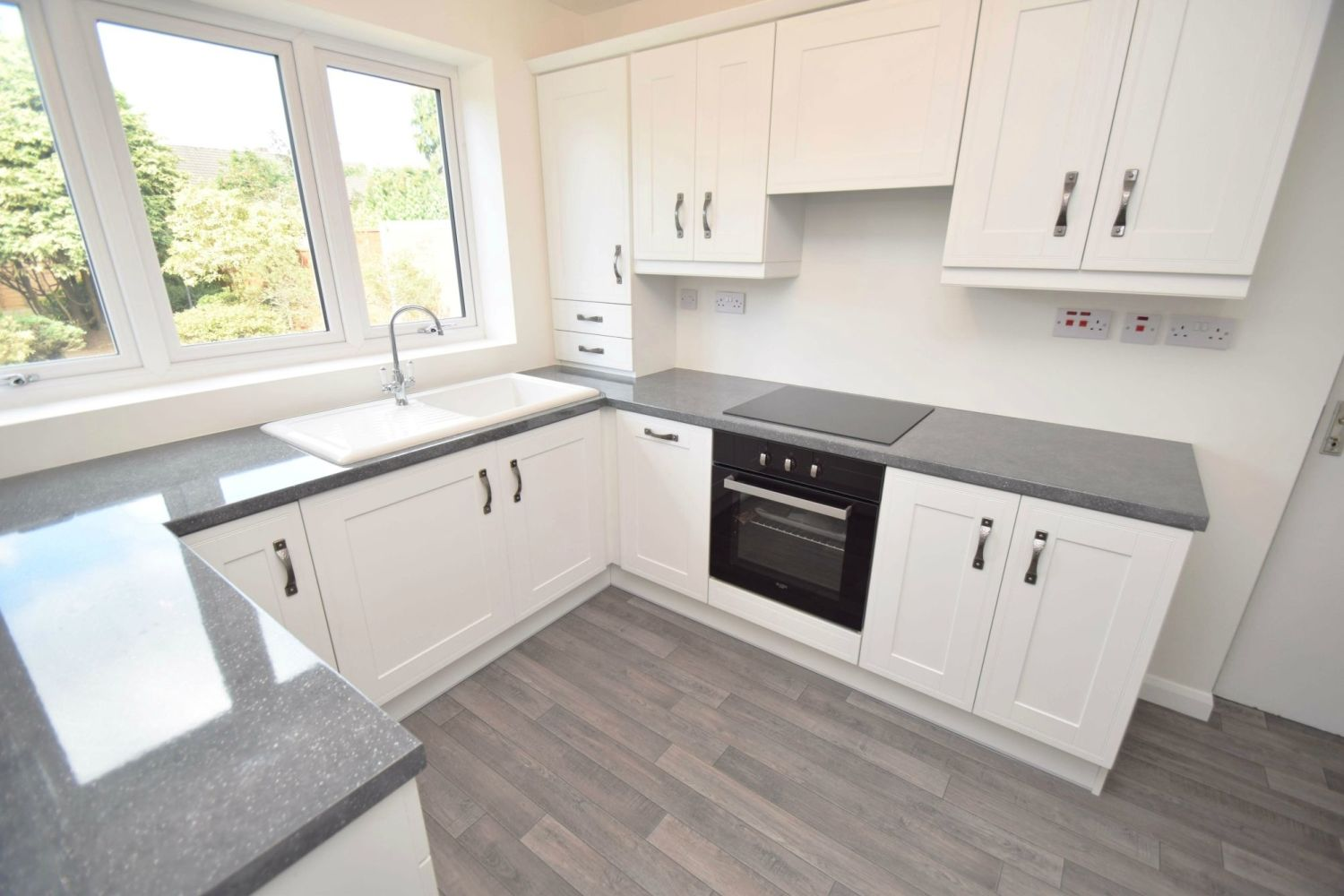 3 bed semi-detached for sale in Beachcroft Road, Wall Heath  - Property Image 6
