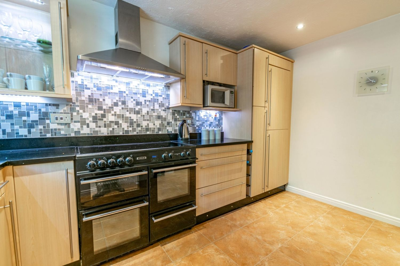 3 bed terraced for sale in Pastorale Road, Oakalls, Bromsgrove  - Property Image 3