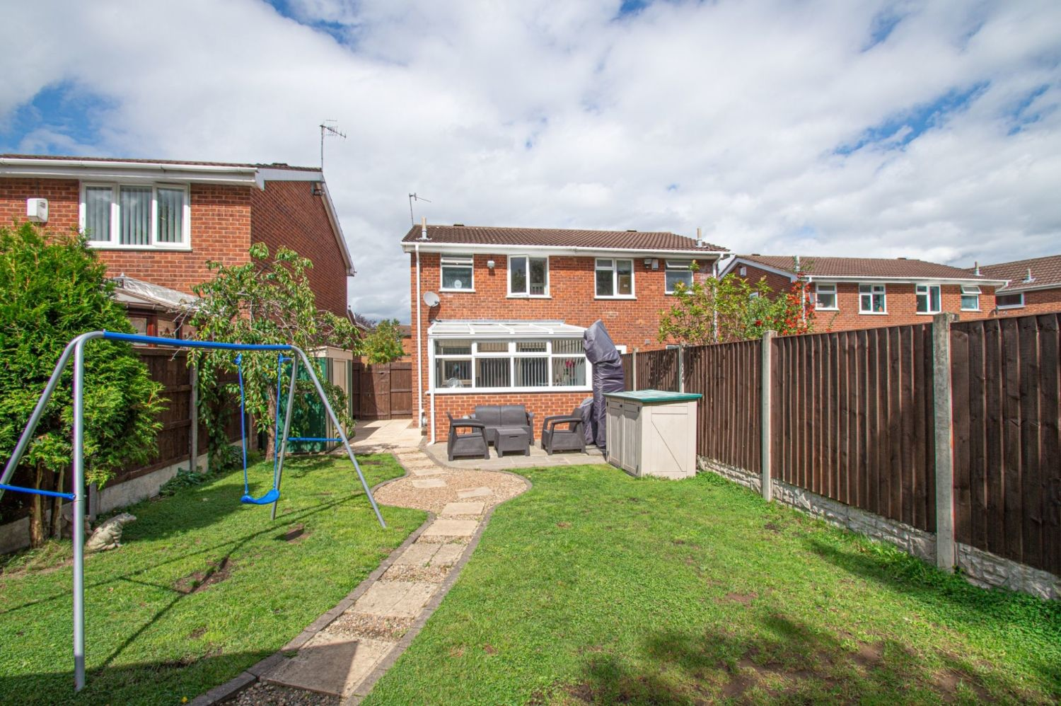 2 bed semi-detached for sale in Brayford Avenue, Brierley Hill  - Property Image 12