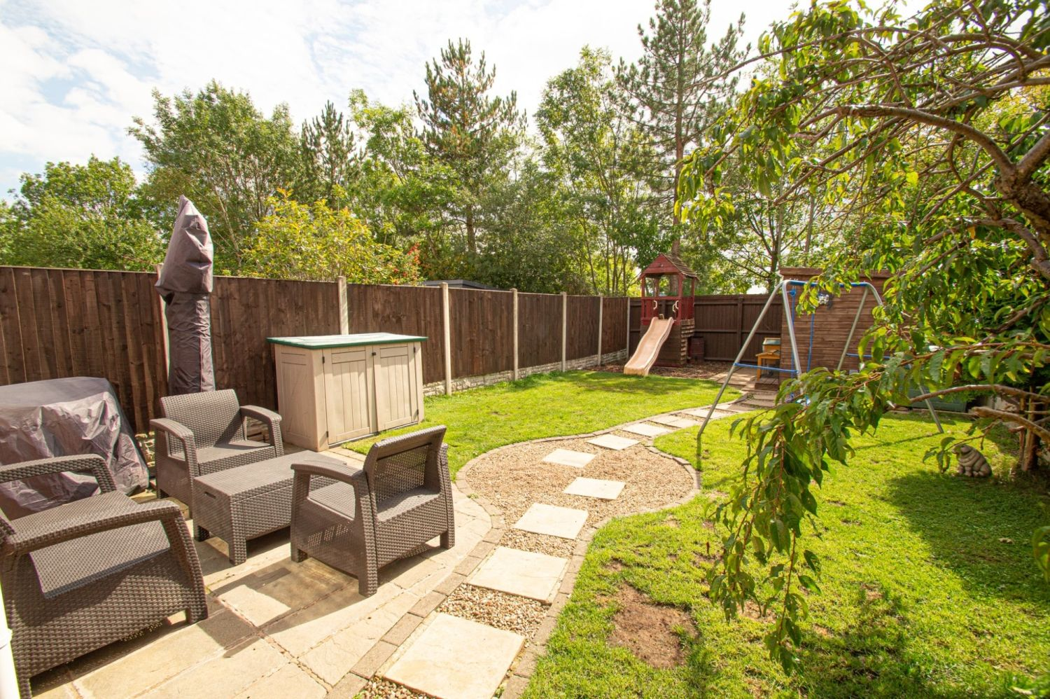2 bed semi-detached for sale in Brayford Avenue, Brierley Hill 13