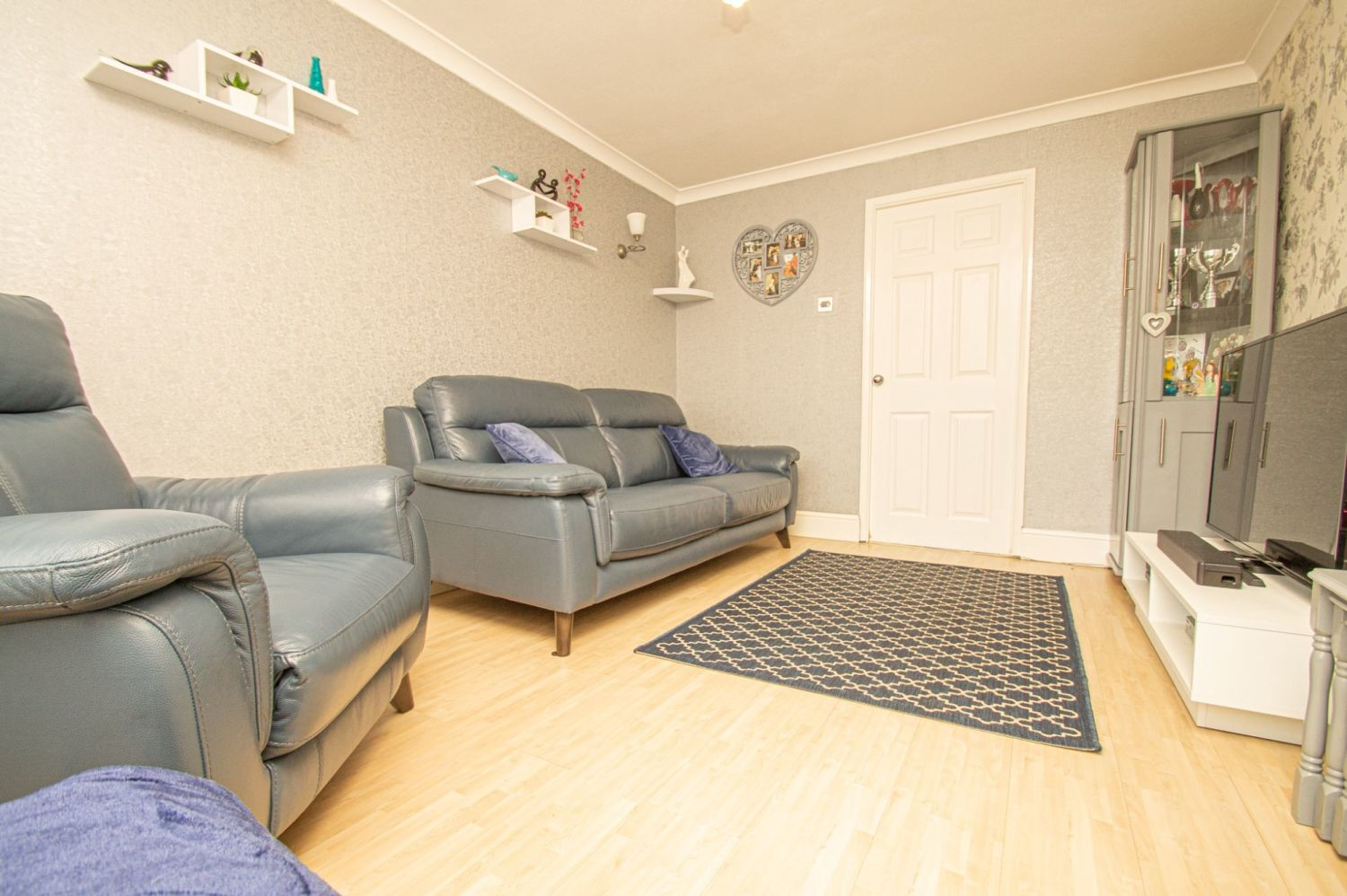 2 bed semi-detached for sale in Brayford Avenue, Brierley Hill  - Property Image 2