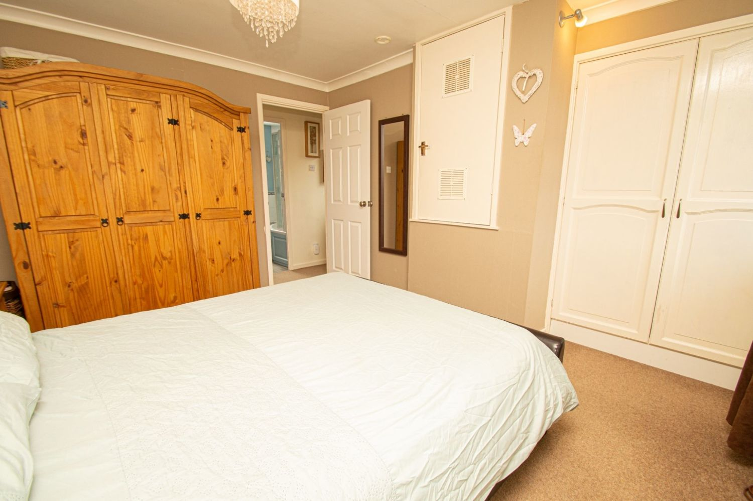 2 bed semi-detached for sale in Brayford Avenue, Brierley Hill  - Property Image 5