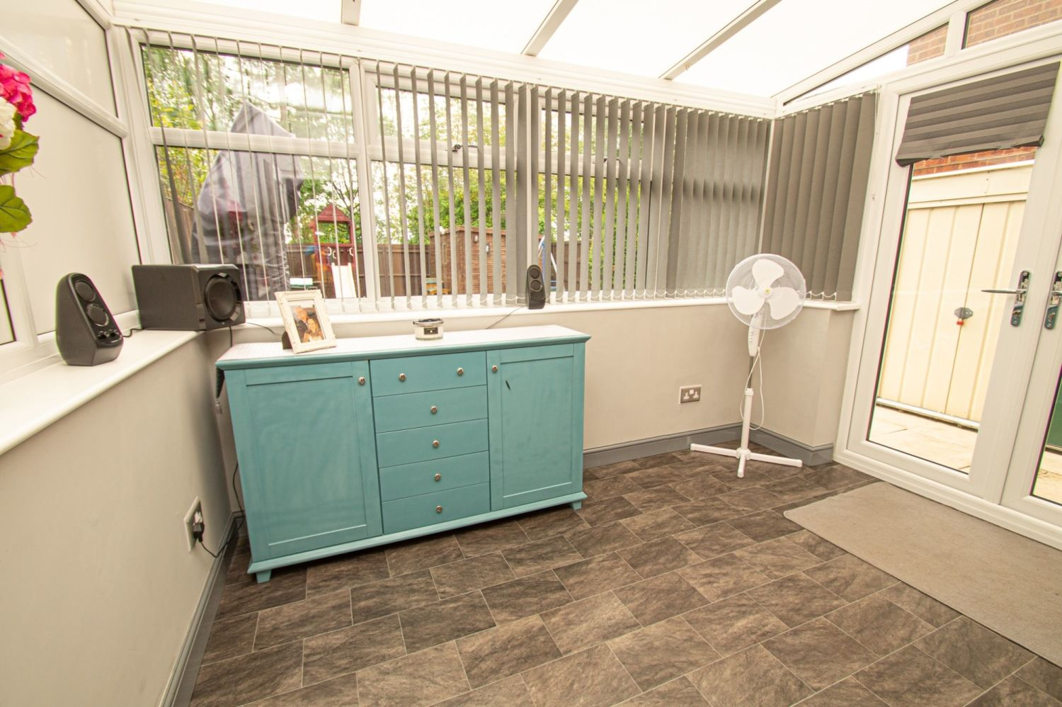 2 bed semi-detached for sale in Brayford Avenue, Brierley Hill  - Property Image 7