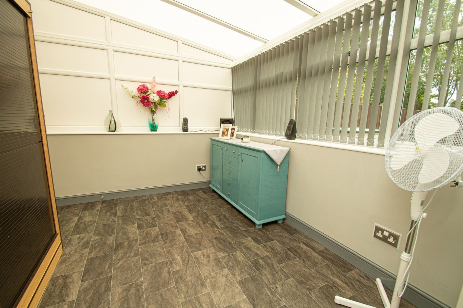 2 bed semi-detached for sale in Brayford Avenue, Brierley Hill  - Property Image 8