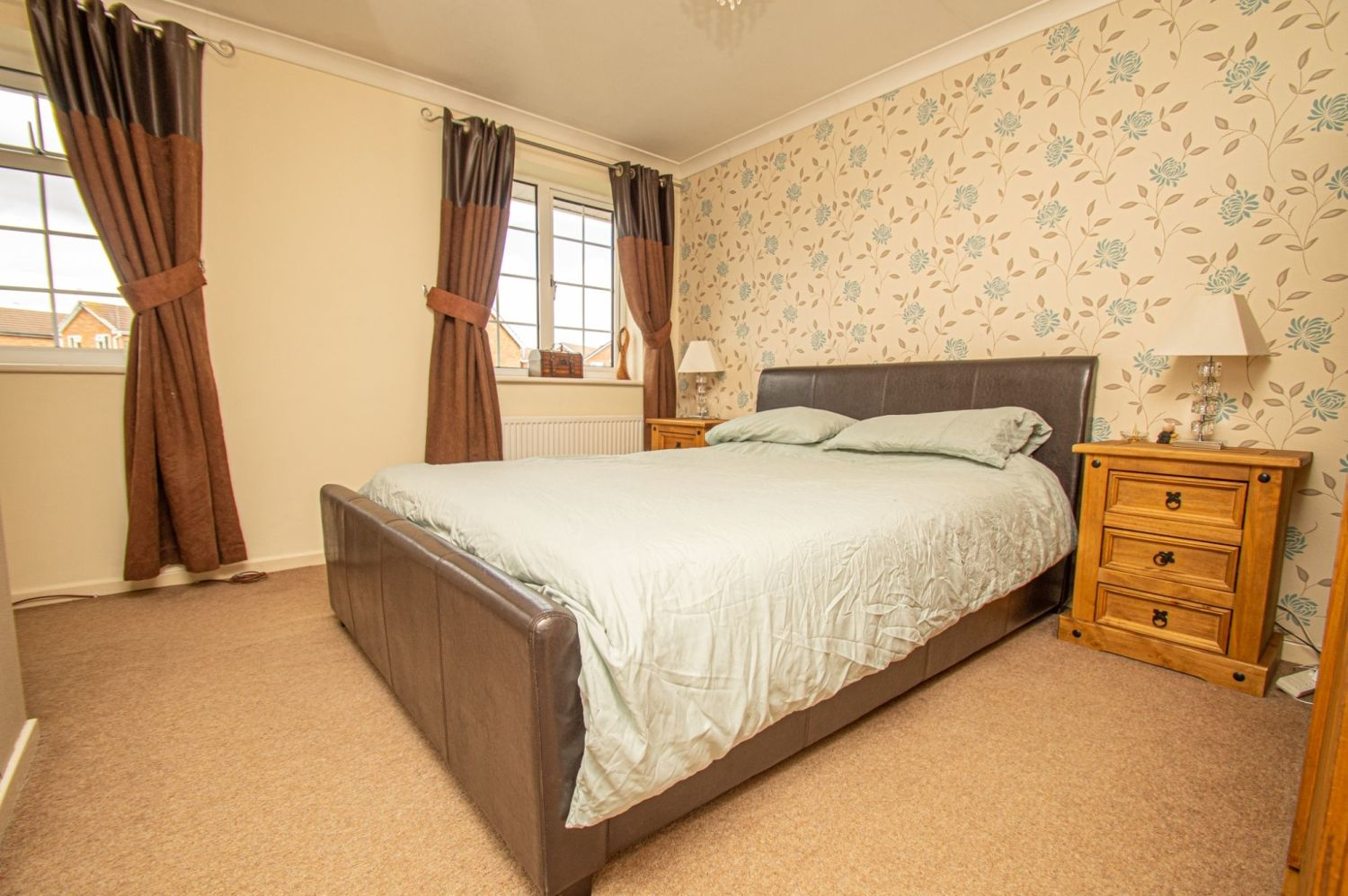 2 bed semi-detached for sale in Brayford Avenue, Brierley Hill  - Property Image 9