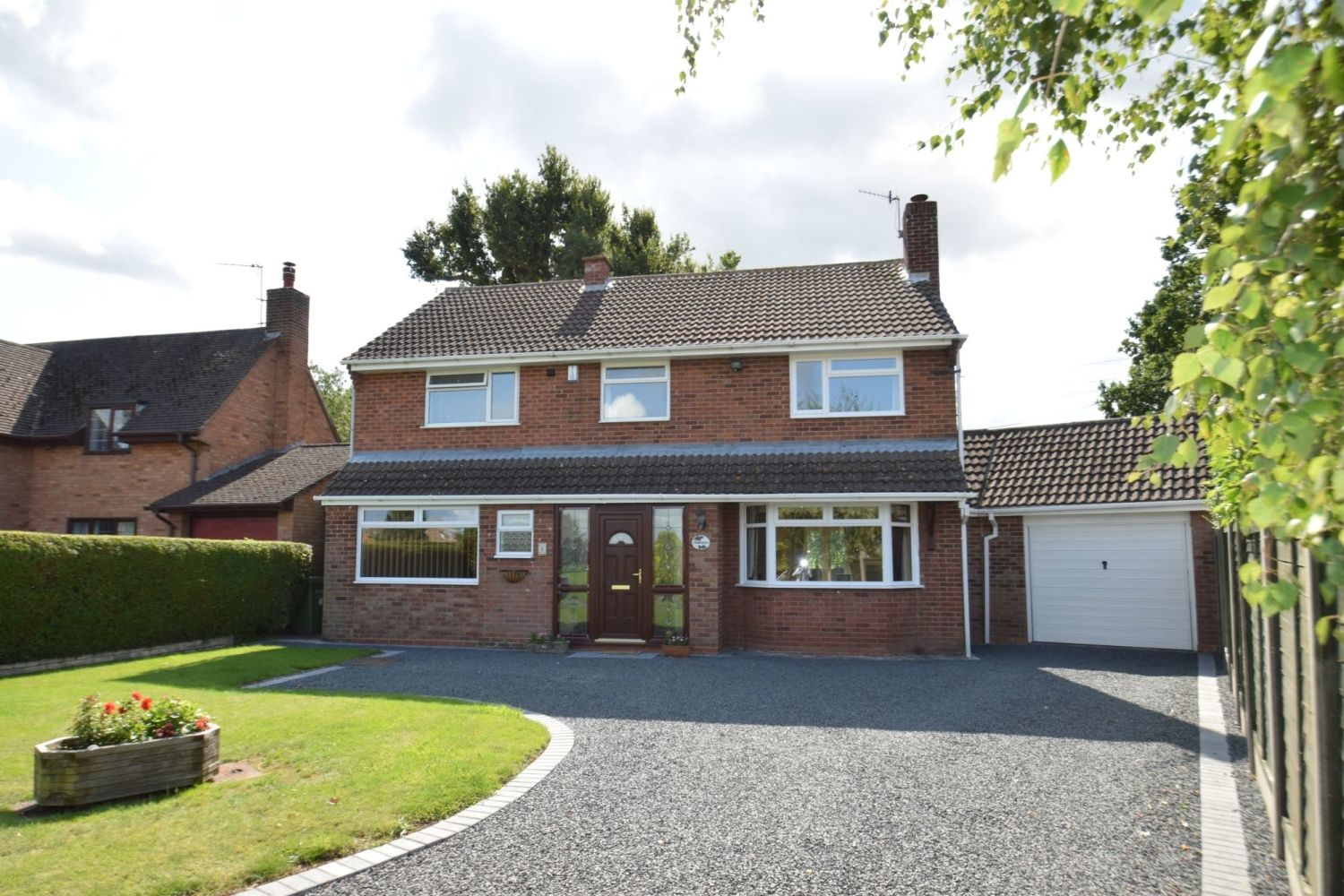 4 bed detached for sale in St. Richards Close, Wychbold - Property Image 1