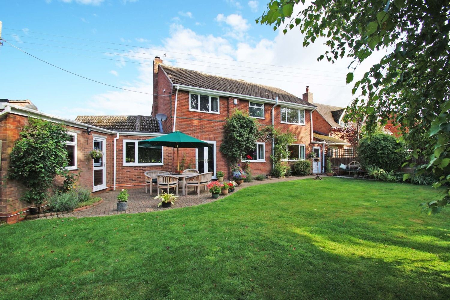 4 bed detached for sale in St. Richards Close, Wychbold 15