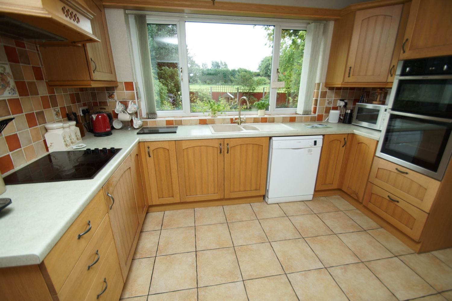 4 bed detached for sale in St. Richards Close, Wychbold 2