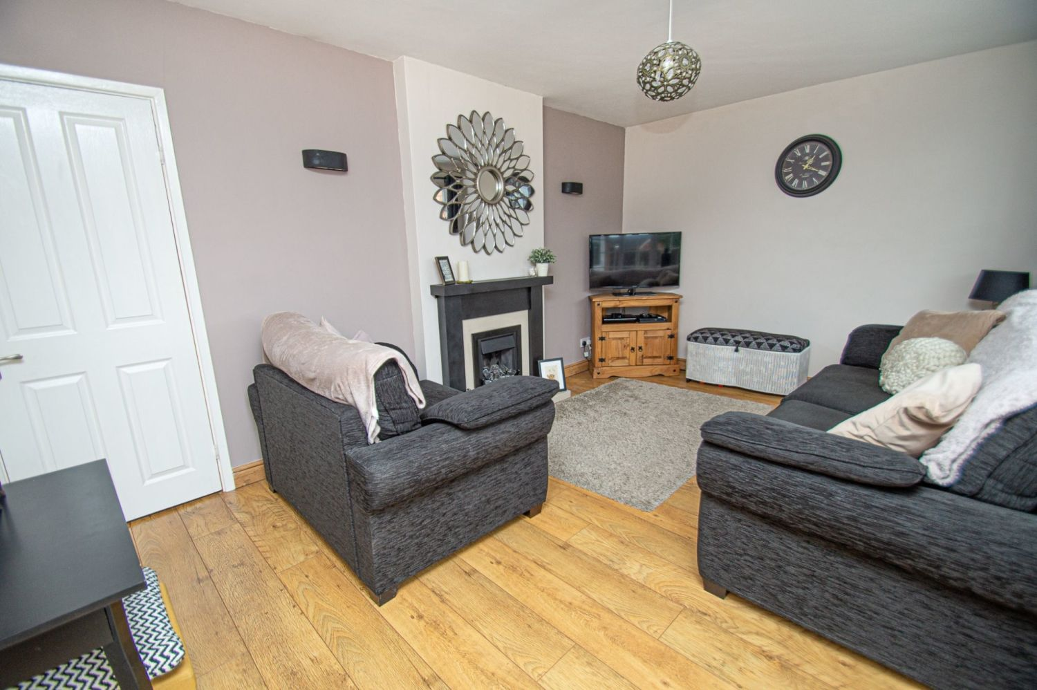 2 bed semi-detached for sale in Woburn Drive, Halesowen  - Property Image 3