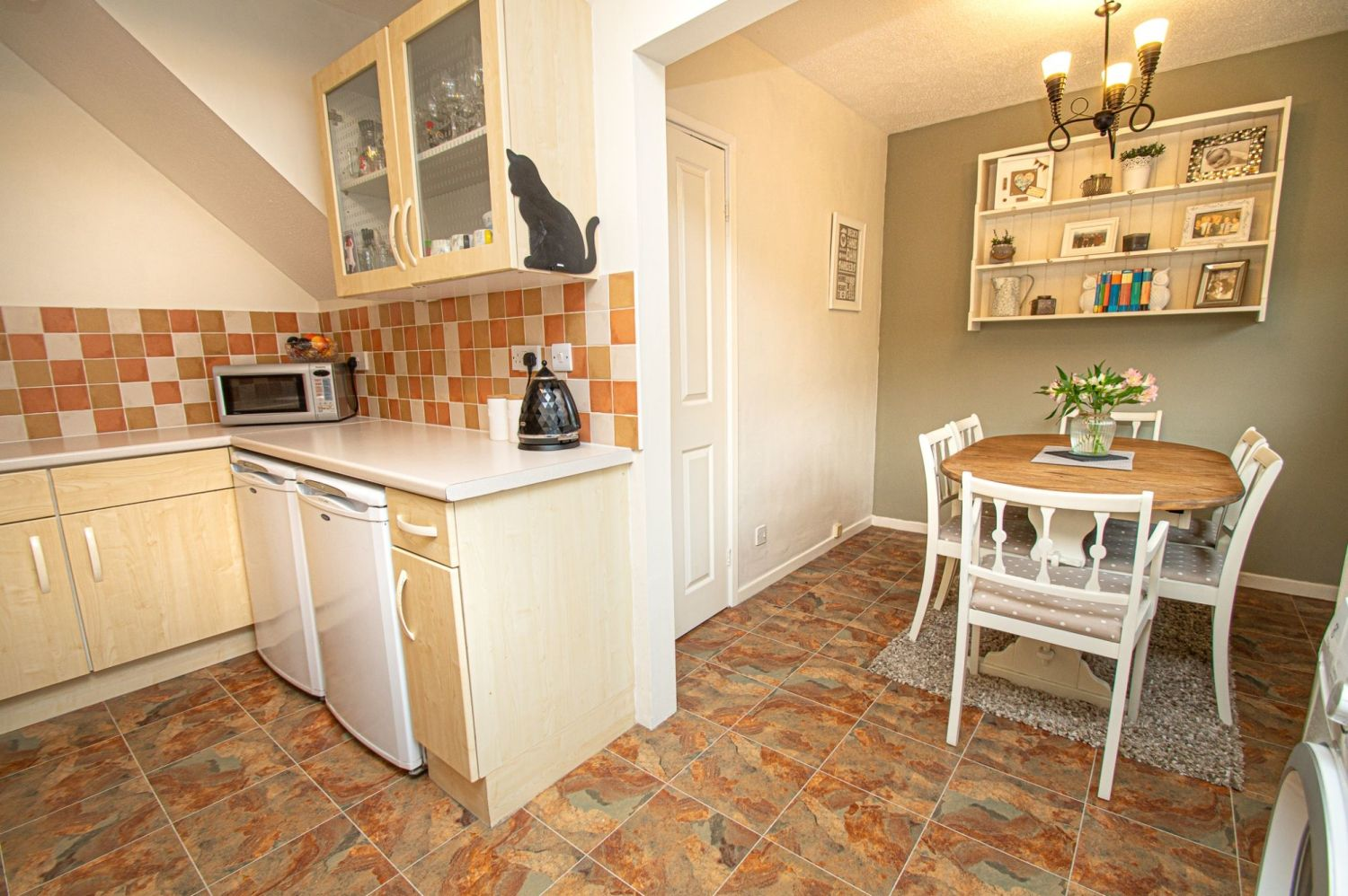 2 bed semi-detached for sale in Woburn Drive, Halesowen  - Property Image 7