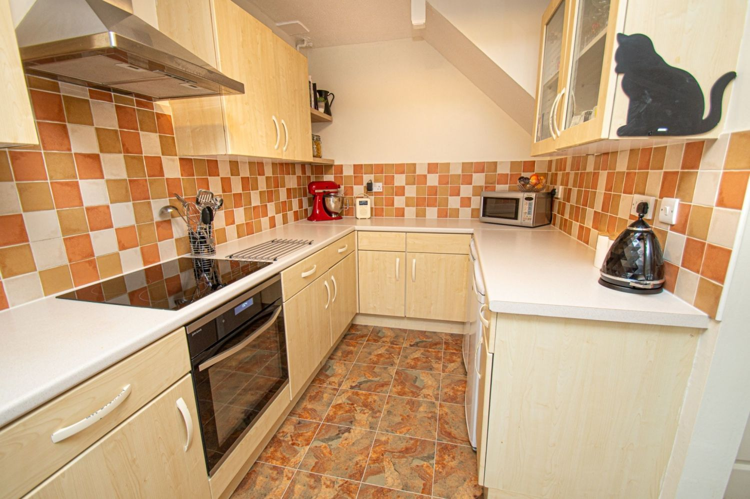 2 bed semi-detached for sale in Woburn Drive, Halesowen  - Property Image 9