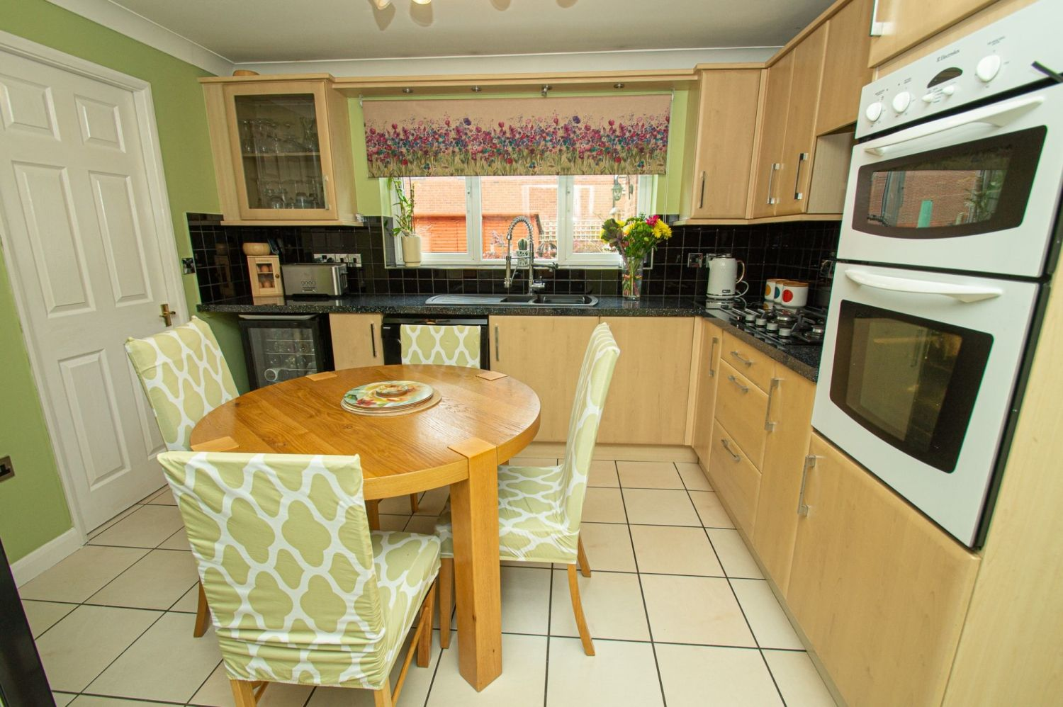 4 bed detached for sale in Harris Close, Greenlands 4