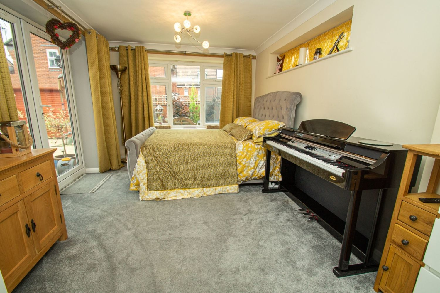 4 bed detached for sale in Harris Close, Greenlands 6