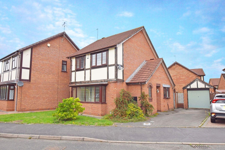 3 bed detached for sale in Avon Close, Stoke Heath, Bromsgrove, B60 1