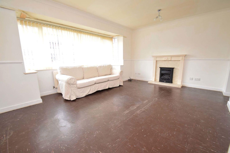 3 bed detached for sale in Avon Close, Stoke Heath, Bromsgrove, B60 3
