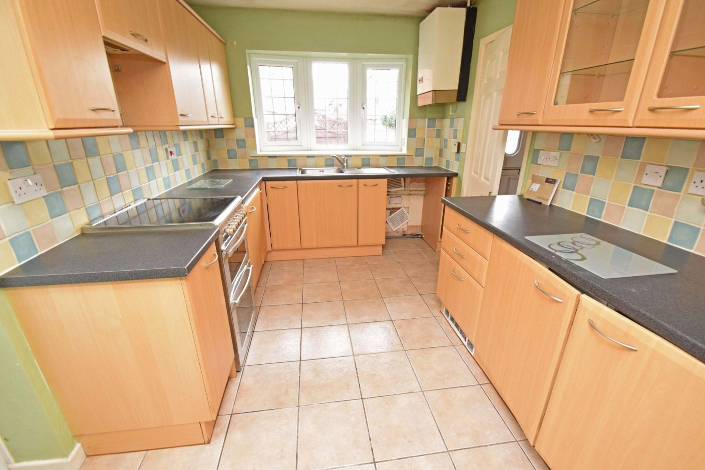 3 bed detached for sale in Avon Close, Stoke Heath, Bromsgrove, B60 6