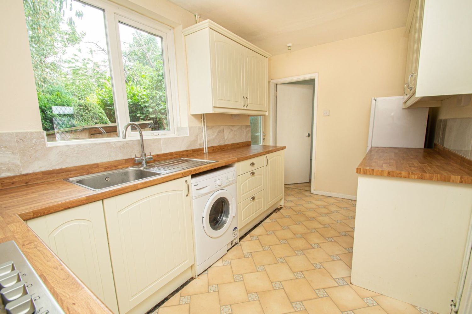 2 bed semi-detached for sale in Rookery Avenue, Brierley Hill 4
