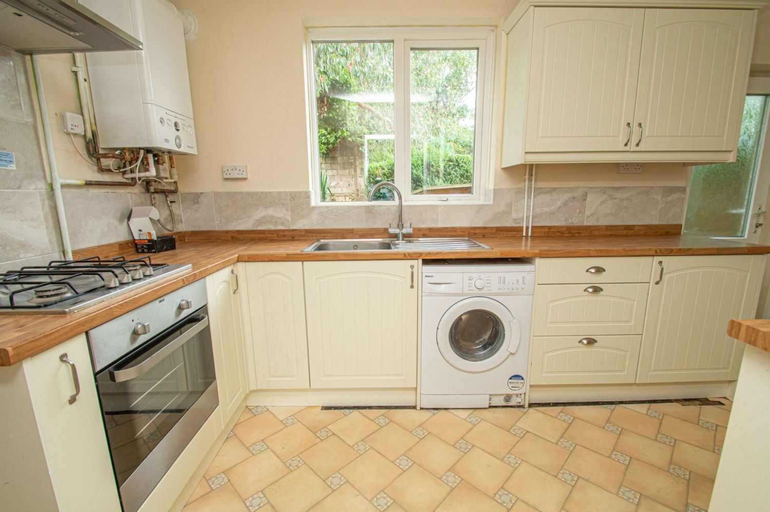 2 bed semi-detached for sale in Rookery Avenue, Brierley Hill  - Property Image 5