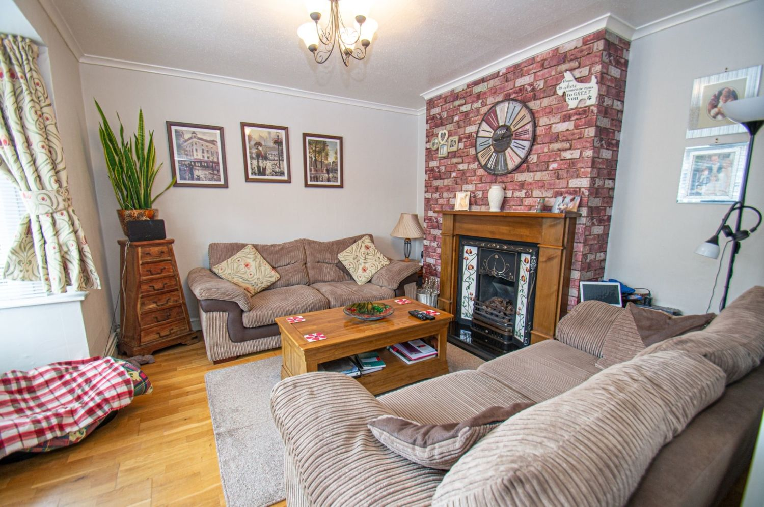 4 bed semi-detached for sale in Wheatcroft Close, Halesowen  - Property Image 3