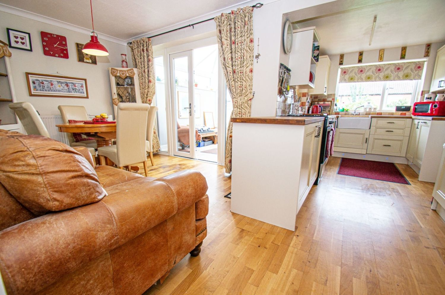 4 bed semi-detached for sale in Wheatcroft Close, Halesowen  - Property Image 6